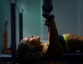 Упражнения на тренажерах для девушек