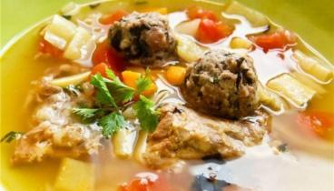 Домашний суп-лапша с фрика...