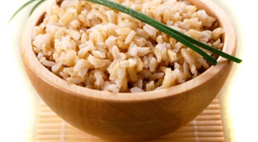 Отварной коричневый рис